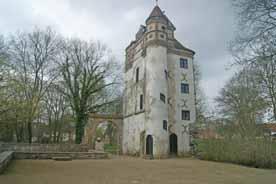Schloss u. Burgruine Freyenstein