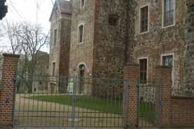 Altes Schloss und Burgruine Freyenstein